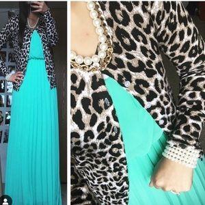 MINT pleated maxi dress EUC